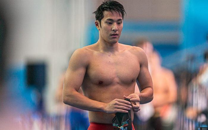 Ngoại tình trắng trợn, nam thần bơi lội Nhật Bản bị cấm thi đấu tới hết năm