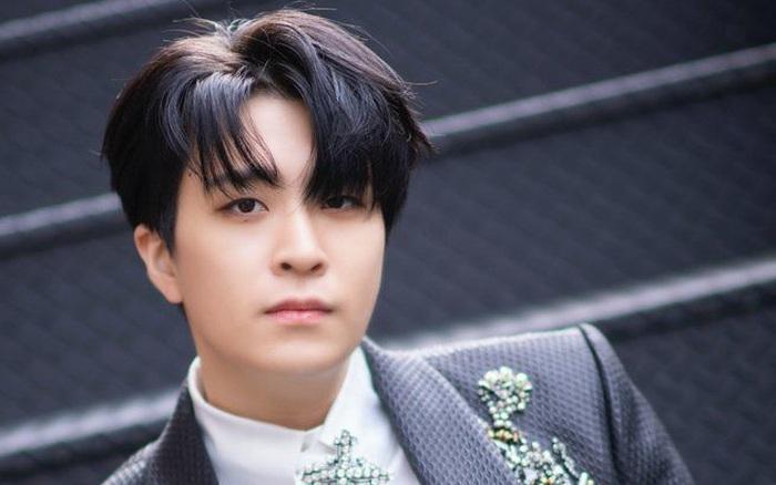 NÓNG: Nam idol nhóm nhạc đình đám GOT7 bị tố bắt nạt và trấn lột tiền bạn học khiếm thính, JYP thông báo