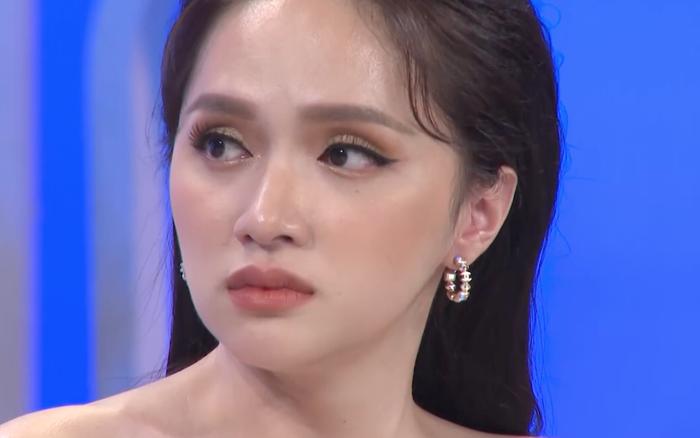 Hương Giang chực khóc khi kể về thời ăn trộm tiền của bố, chiến tranh lạnh vì khao khát chuyển giới
