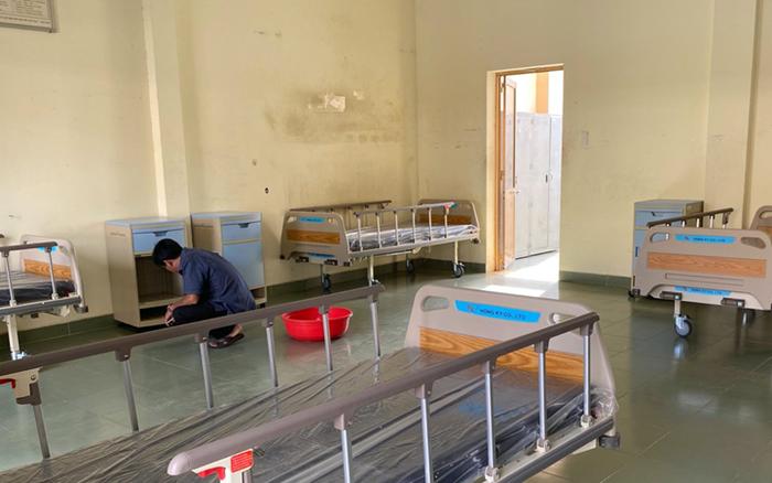 Những hình ảnh đầu tiên của Bệnh viện dã chiến TP. HCM trước ngày hoạt động chống ...