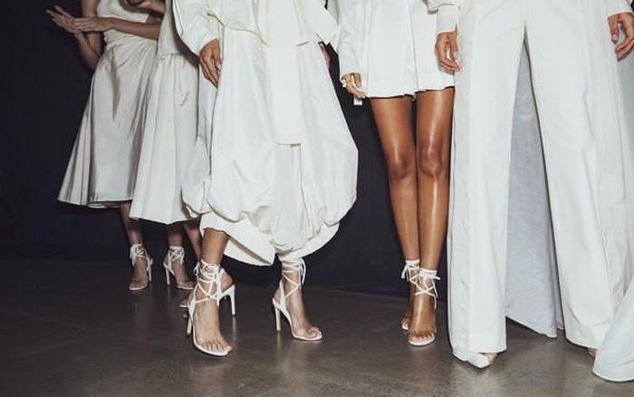 """5 mẫu cao gót sẽ là """"chân ái"""" cho đôi chân mùa tiệc tùng cuối năm"""
