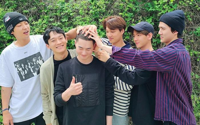 EXO chính thức tiễn thủ lĩnh Suho nhập ngũ, dân tình đổ dồn sự chú ...
