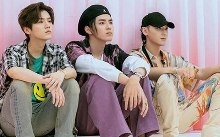 3 cựu thành viên EXO tái ngộ: Tao phấn khích vỗ mông Kris, ...