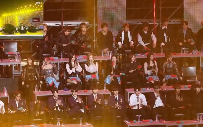 """BTS từng nhảy """"sung"""" đến mức rung chuyển cả khán đài, suýt sập sân ..."""