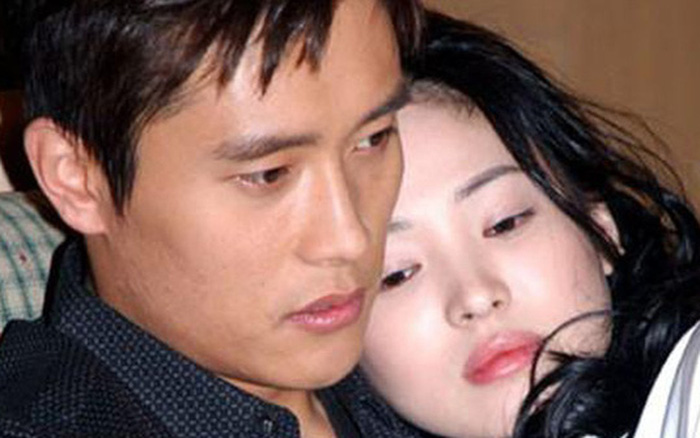 Song Hye Kyo năm 22 tuổi, từng yêu như điên dại Lee Byung Hun