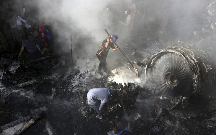 Tiết lộ nội dung cuộc gọi cuối cùng của phi công trước khi máy bay Pakistan ...