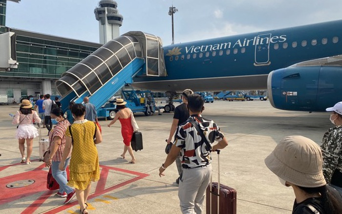 Nữ hành khách ngã xe thang máy bay Airline đã tử vong