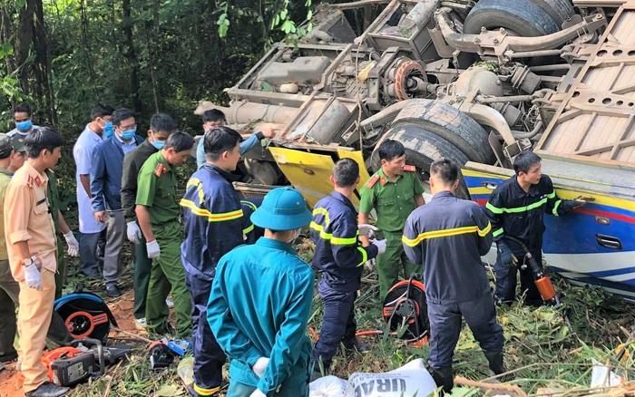 Vụ xe khách lao xuống vực khiến 5 người chết: Xe chạy sai tuyến, phụ xe dương tính với ...