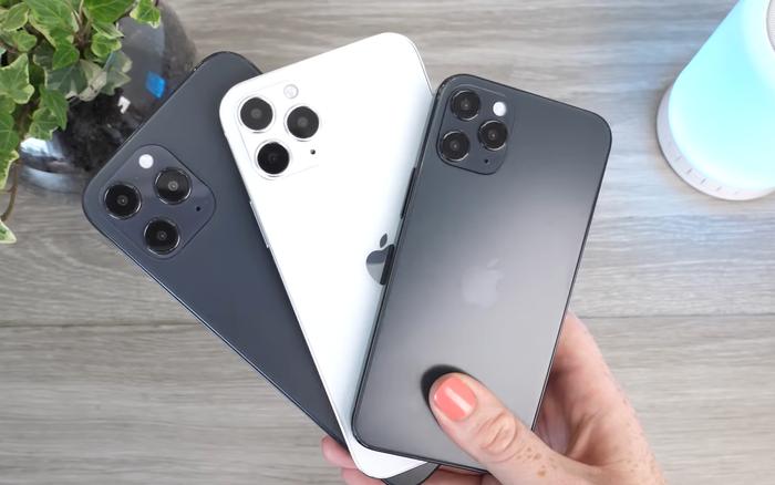 Cận cảnh mô hình iPhone 12, nhỏ gọn hơn cả iPhone 7 và iPhone SE 2020
