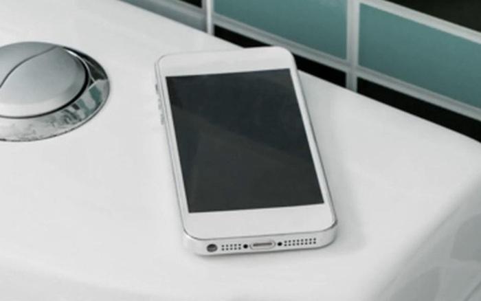 CEO công ty chuyên về khử trùng nhận định: iPhone bẩn như bệ ngồi toilet, ...
