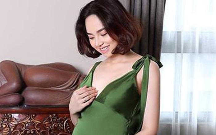 Đinh Ngọc Diệp chính thức xác nhận sắp lâm bồn, khoe bụng bầu to thấy rõ những ngày cuối thai kỳ