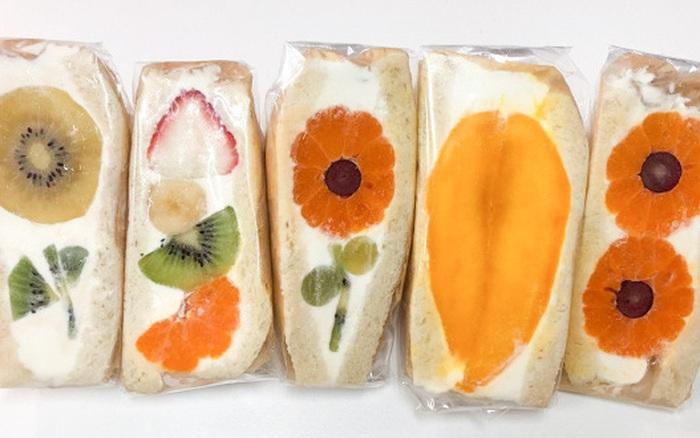 """Ngỡ ngàng trước những chiếc bánh sandwich """"hoa"""" đẹp như mơ, ..."""