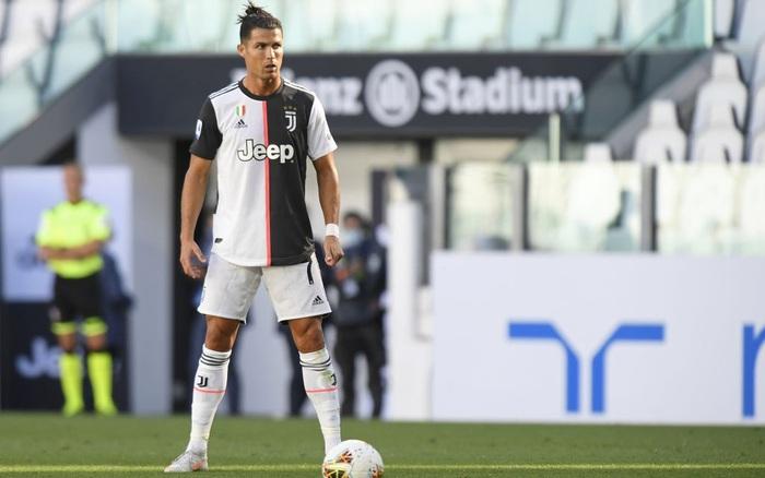 Ronaldo sút phạt thành bàn lần đầu tiên sau... 43 lần thử, Juve băng ...