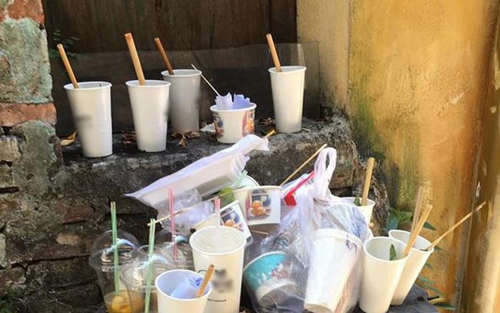 Ngao ngán trước cảnh những cốc nước bị vứt lay lắt ở Hội An sau khi trở thành đạo cụ ...