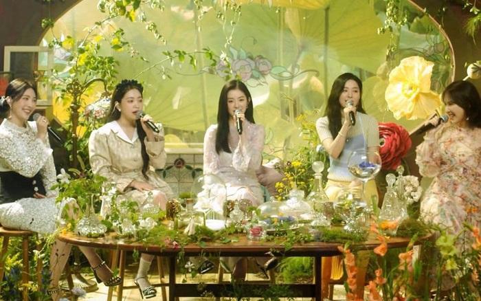 Red Velvet trở lại với ca khúc remake của BoA, trao ánh mắt