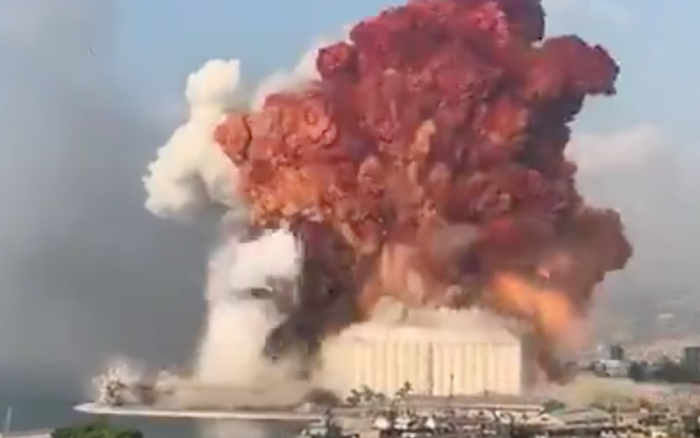 NÓNG: Nổ kho pháo kinh hoàng làm rung chuyển thủ đô Beirut (Liban), ít nhất 10 người chết và hàng trăm người bị thương