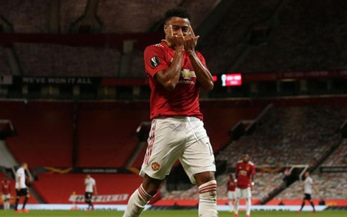 """""""Người ngoài hành lang Lingardinho"""" lại tỏa sáng, MU vào tứ kết cúp châu Âu với chiến thắng 7-1"""