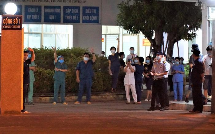 Tâm thư lúc 0 giờ của Giám đốc Bệnh viện C Đà Nẵng khi được dỡ lệnh phong tỏa khiến nhiều người xúc động