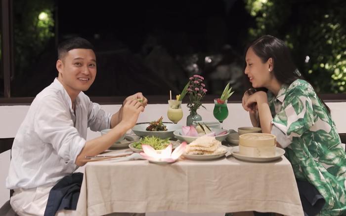 Đi du lịch khắp nơi nhưng không ngờ tận khi tới Ninh Bình thì Quang Vinh mới được ăn quả sung lần đầu tiên