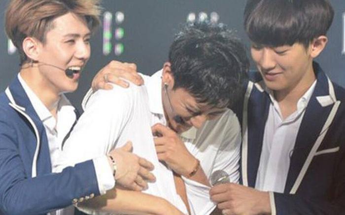 EXO suýt rơi xuống vực thẳm như T-ara vì nghi vấn Tao bị bắt nạt đến mức phải rời nhóm nhưng sự thật lại khiến fan... bật cười