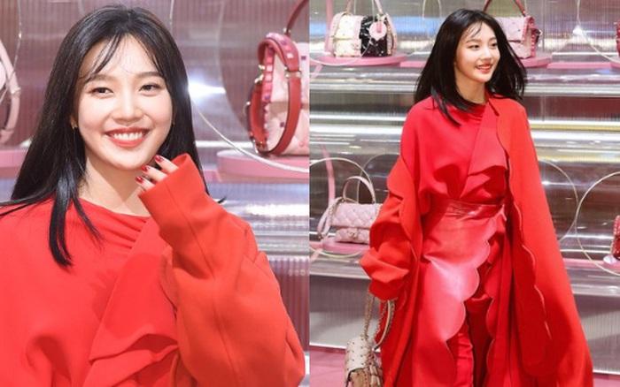 Khẩu chiến nữ thần mới của Red Velvet dự sự kiện: Đồ bèo nhún như quấn chăn dìm không nổi
