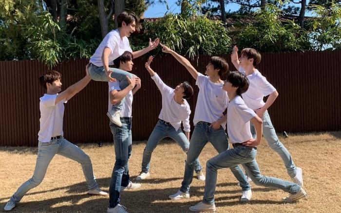 Hướng dẫn chụp ảnh nhóm phiên bản Idol Kpop: xem mà thấy mỏi chân giùm!
