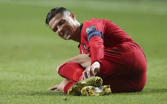 Ronaldo bị nhiễm trùng chân, đứng trước nguy cơ không thể sớm cán mốc 100 bàn thắng