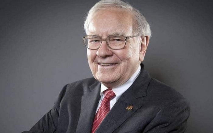 Cuối cùng tỷ phú Warren Buffett cũng chịu dùng iPhone, bỏ chiếc điện thoại ...