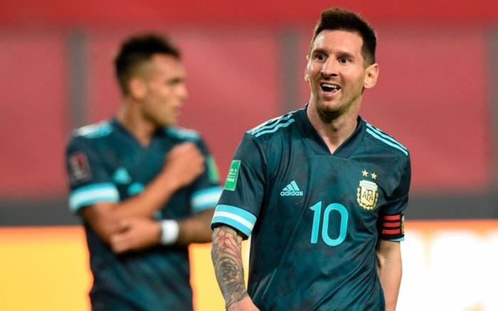 Peru 0-2 Argentina: Messi gây bất ngờ với chỉ số phòng ngự ấn tượng sau khi bị chê