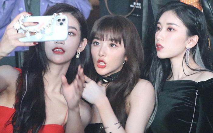3 học trò của Lisa hội ngộ chung 1 khung hình: Không hổ danh top visual show sống còn, Khổng Tuyết Nhi bị chụp dìm vẫn hot