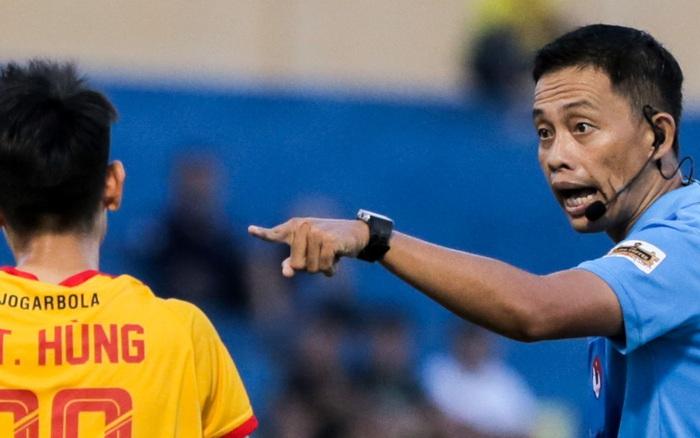 V.League 2021 hạn chế thuê trọng tài ngoại dù trọng tài Việt mắc nhiều sai lầm