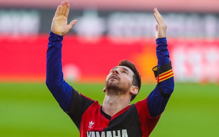 Barca đại thắng 4-0, Messi ghi bàn và mặc chiếc áo tri ân Maradona - giá vàng 9999 hôm nay 109