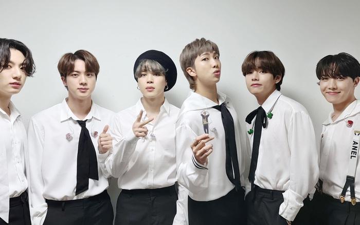 BTS làm fan thổn thức khi diễn lại bản hit giúp nhóm đổi đời, hóa