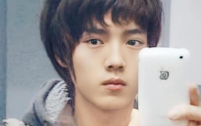 Nhan sắc Luhan trước khi debut hoàn hảo tới nhường nào: Mặt mộc đẹp không tì vết, ngũ quan hài hoà đến con gái cũng ghen tị