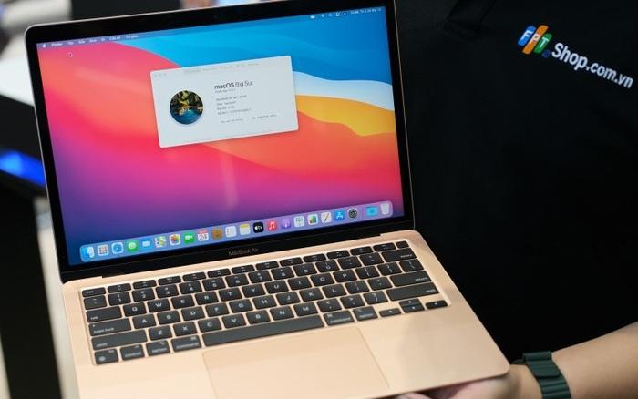 Mở bán Macbook sớm, Apple muốn
