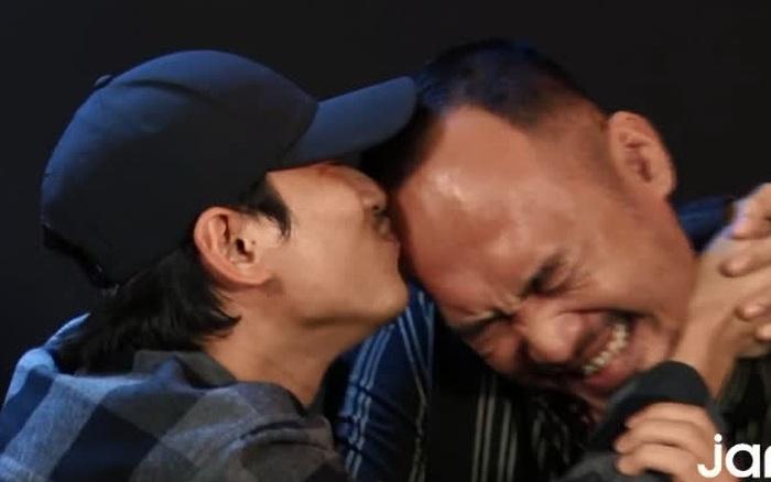 Kiều Minh Tuấn bất ngờ hôn Tiến Luật mùi mẫn ở phỏng vấn, Thu Trang có ngay động thái
