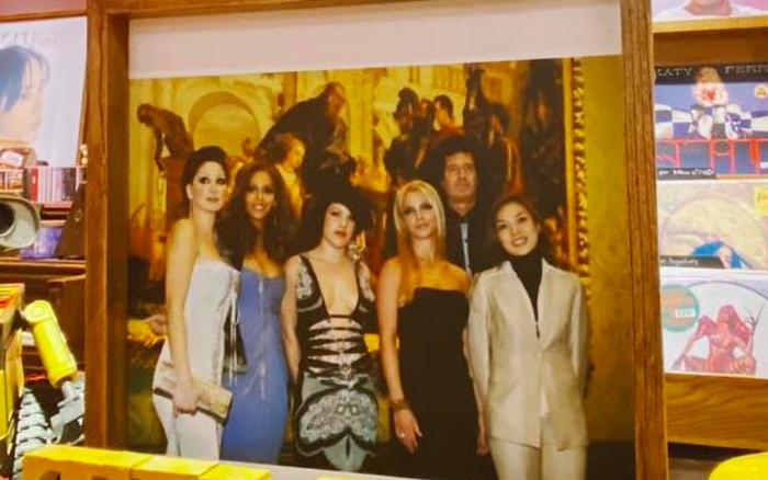 Bức ảnh hiếm thấy từ năm 2004: Mỹ Tâm chụp cùng Britney Spears, Beyoncé và P!nk!