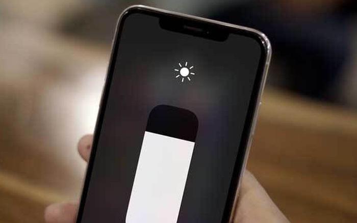Khó chịu vì màn hình iPhone tự điều chỉnh sáng tối, đây là cách xử lý!
