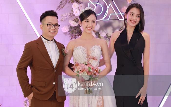 Cập nhật đám cưới Á hậu Thuý An tại TP.HCM: Cô dâu lộ diện cực xinh, Tiểu Vy cùng dàn khách mời mỹ nhân Vbiz đang đổ bộ