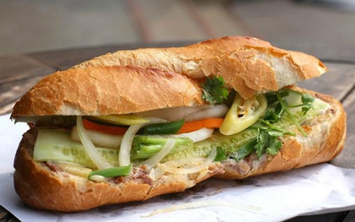 Người Hàn Quốc bình chọn 14 món ăn tiêu biểu của ẩm thực Việt Nam, đọc tới màn giới thiệu bánh mì mới thấy có gì đó sai sai?