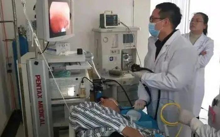 Người đàn ông 58 tuổi hút 1 bao thuốc mỗi ngày trong 40 năm, nhập viện trong tình trạng nguy kịch nhưng lại không phải ung thư phổi