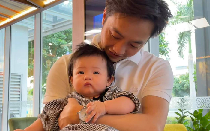 """Cường Đô La lần đầu hé lộ cận mặt ái nữ """"ngậm thìa vàng"""", Đàm Thu Trang có phản ứng khi bị chồng """"phũ"""" vào đúng ngày 14/2"""