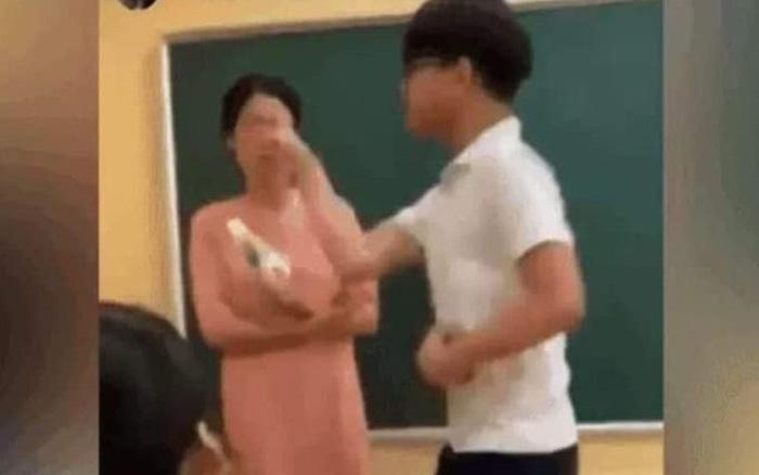 Clip nam sinh tát cô giáo: Sự việc có thật, xảy ra ở Hà Nội tháng 5/2020