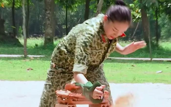 Kỳ Duyên tay không chặt ngói tại Sao Nhập Ngũ khiến netizen ngưỡng mộ: