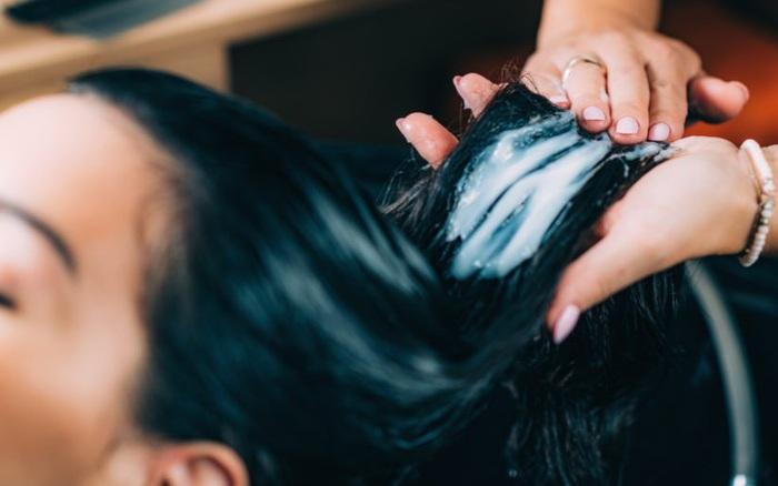 Bạn có biết thời điểm nào gội đầu khoa học nhất để bảo vệ da đầu và mái tóc của mình chưa?