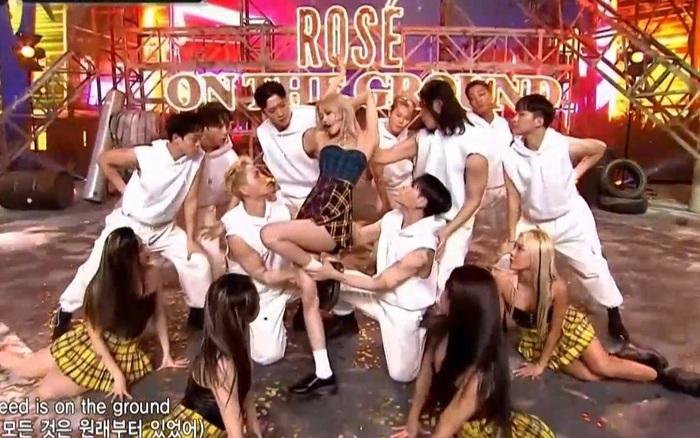 Rosé có sân khấu đậm mùi tiền sau 4 năm tại M!Countdown, không còn run mà thần thái ngút trời nhưng lại để hụt cúp tiếc quá!