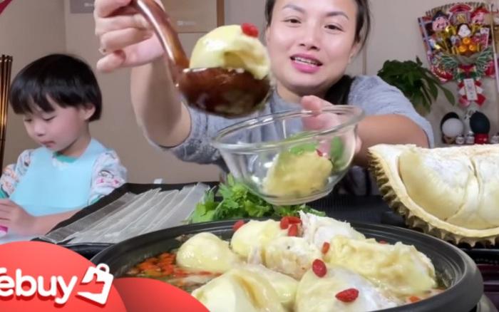 """Netizen """"sốc nặng"""" khi thấy Quỳnh Trần JP nấu lẩu gà với… sầu riêng, ai dè là món ăn nức tiếng xứ Trung"""
