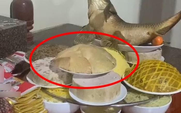 Mỏi mắt tìm đĩa thịt gà trong mâm cỗ: chủ nhân xếp quá