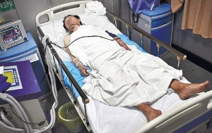 Người đàn ông 37 tuổi hôn mê rồi tử vong do nhồi máu não, bác sĩ cảnh báo thời điểm tuyệt đối không nên tắm