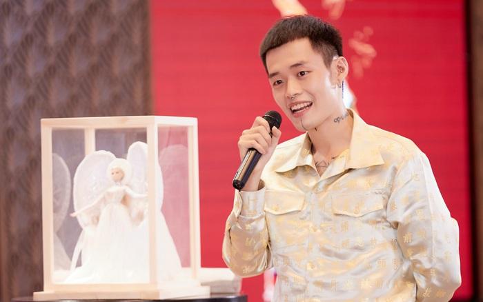 NTK trang phục dân tộc cho Khánh Vân bức xúc: